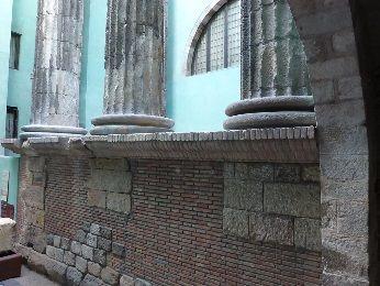 アウグスト寺院 遺跡