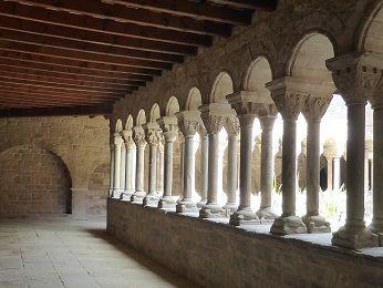 ロマネスク 中庭回廊